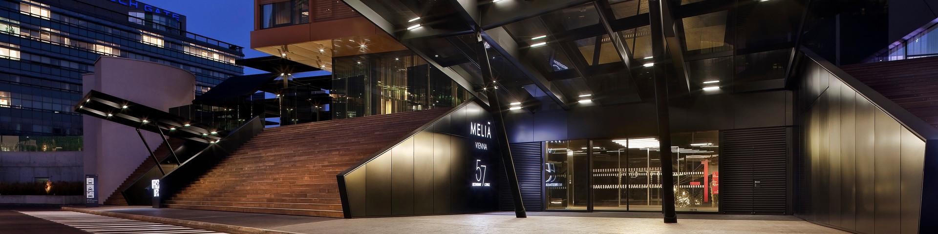 Meliá Vienna - Aussenansicht Eingang © Thierry Delsart