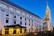 Hilton Budapest - Aussenansicht abends © Hilton Budapest
