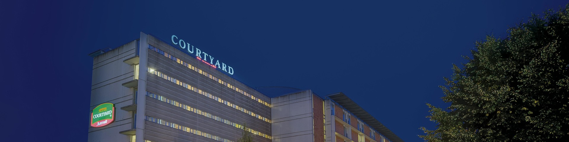 Courtyard by Marriott Linz - Aussenansicht bei Nacht © Courtyard by Marriott Linz
