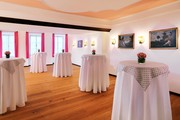 Hotel Goldener Hirsch - Rosa Salon © Hotel Goldener Hirsch, a Luxury Collection Hotel, Salzburg