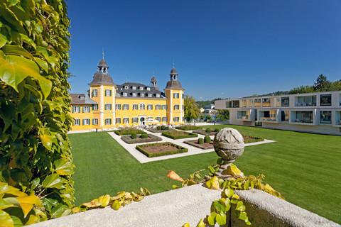 Falkensteiner Schlosshotel Velden - Exterior view gardens © Falkensteiner Hotels & Residences