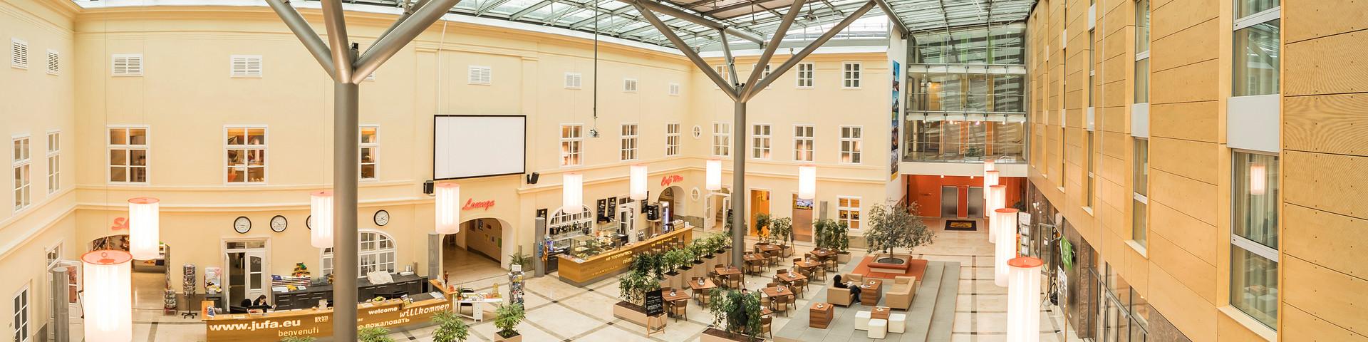 JUFA Hotel Wien City - Panorama Atirum Glasdach © JUFA Hotel Wien City