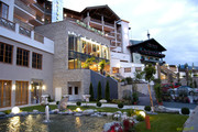 Hotel Alpine Palace - Aussenansicht Sommer © Hotel Alpine Palace