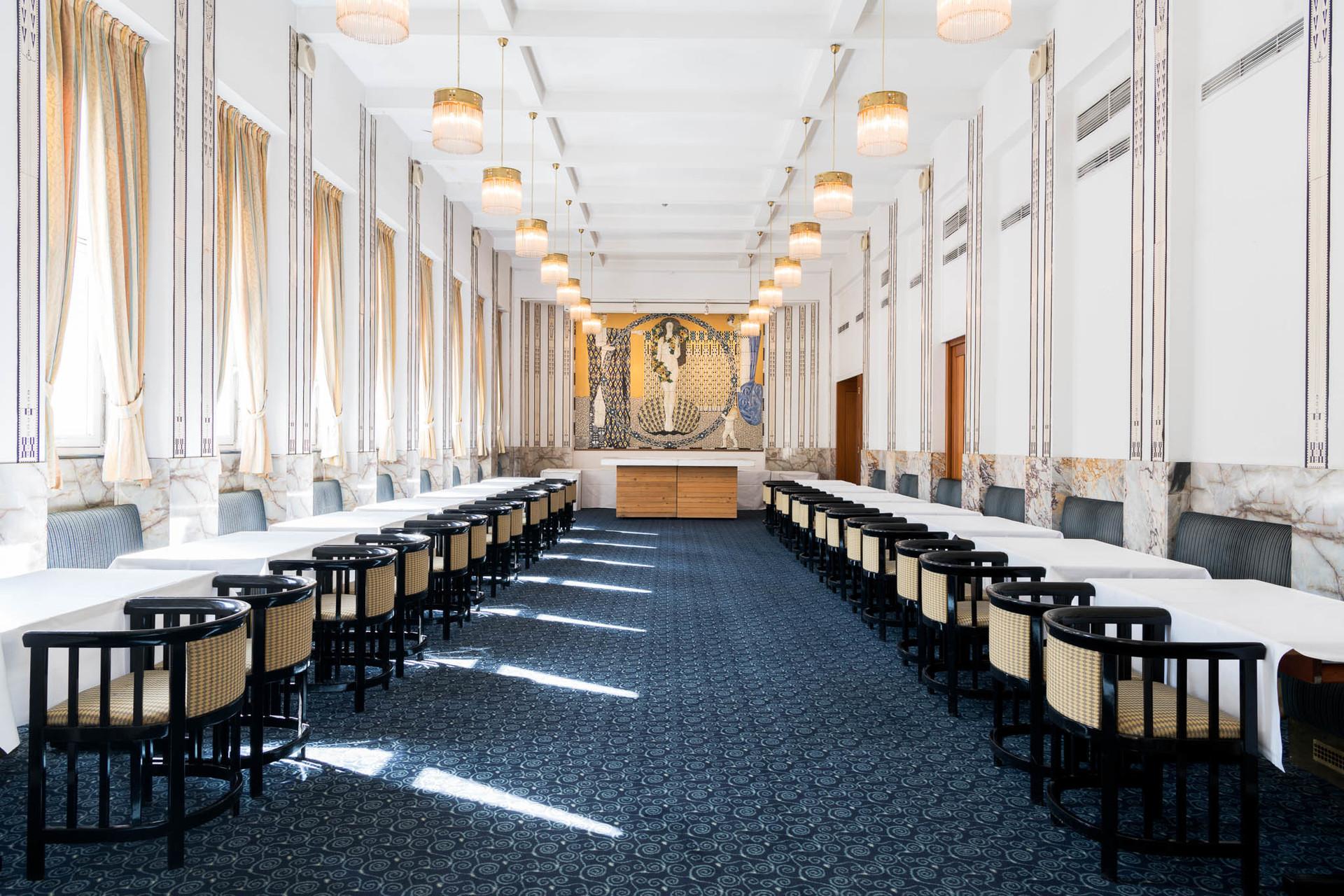 Das Grand Hotel Wiesler In Graz Direkt An Der Mur Gelegen