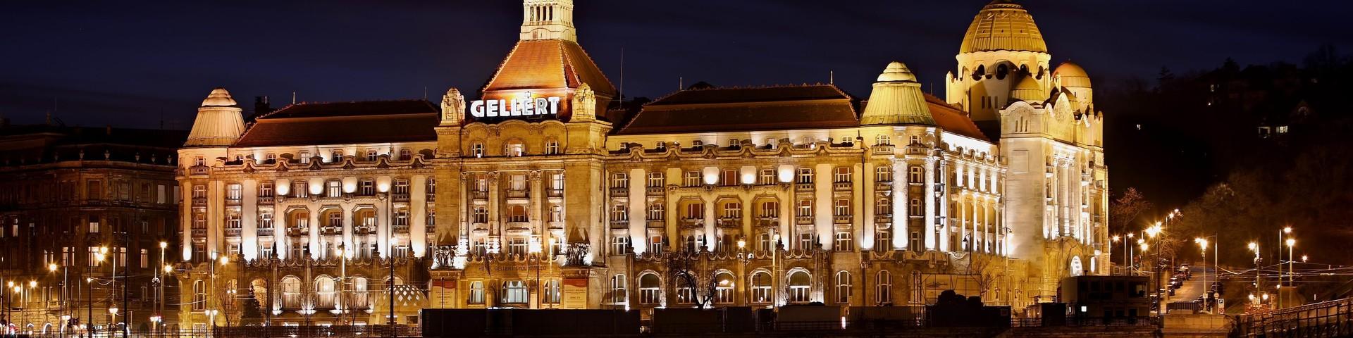 Danubius Hotel Gellért - Aussenansicht bei Nacht © Danubius Hotel Gellért