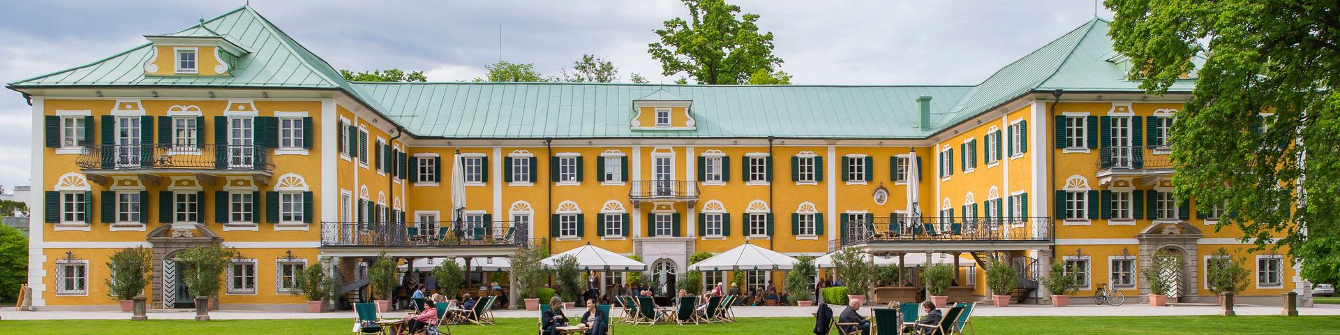Gwandhaus Salzburg - Aussenansicht Sommer © Gössl GmbH