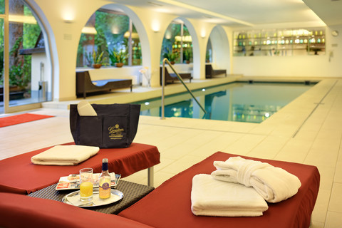 Hotel Schloss Weikersdorf - Indoor Pool © Gerstner Hotels