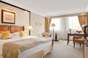 Kempinski Hotel Corvinus - Deluxe Room © Kempinski Hotel Corvinus Budapest