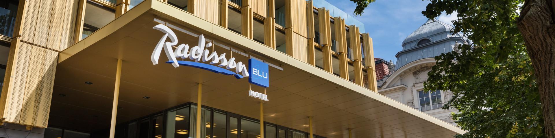 Radisson Blu Park Royal Palace Hotel - Aussenansicht - © Austria Trend Hotels