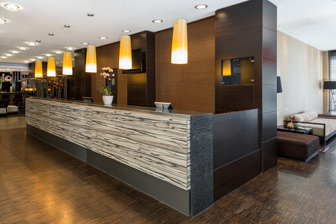 Hotel NH Danube City - Reception © NH Danube City