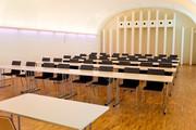 Schloß Schönbrunn Apothekertrakt - Raum 5 Klassenbestuhlung © Schloß Schönbrunn Kultur- und BetriebsgesmbH | Olschinsky