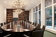 Fleming's Hotel Wien-Westbahnhof - Bibliothek © Fleming's Hotels & Restaurants