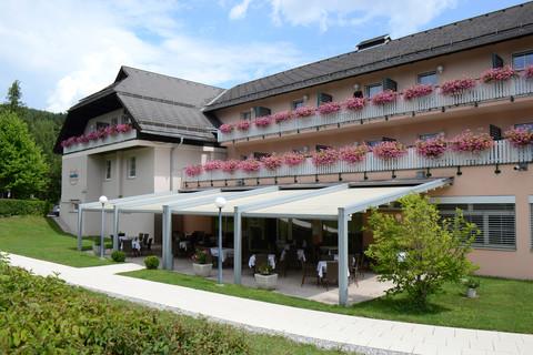 sonnenhotel HAFNERSEE - Aussenansicht © Sonnenhotels