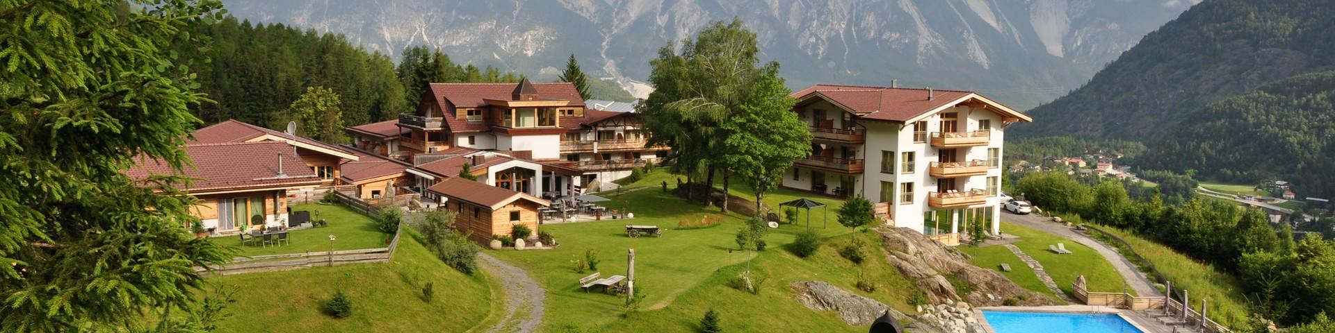 Hotel Ritzlerhof - Aussenanlage Sommer Vogelperspektive © Hotel Ritzlerhof