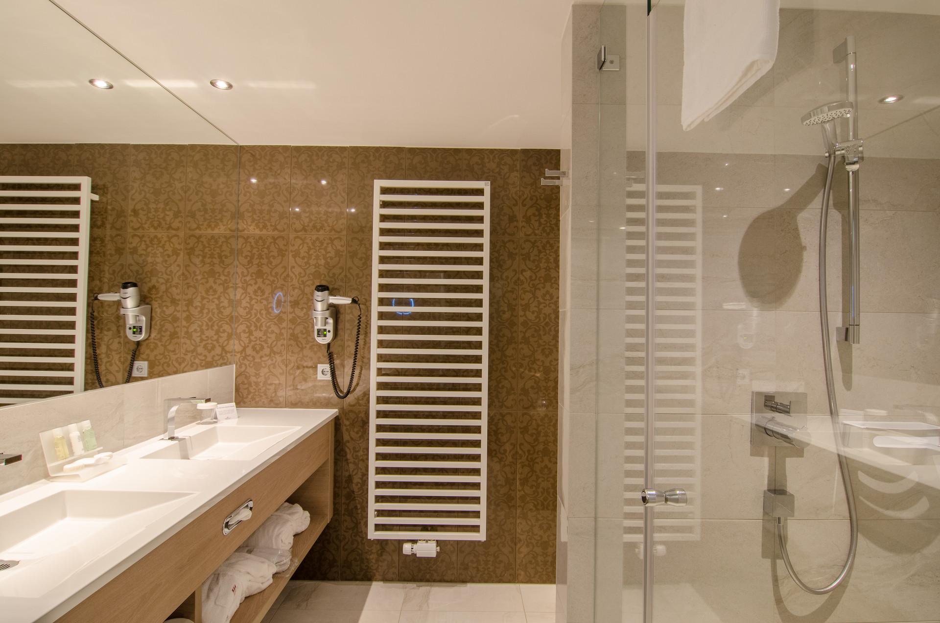 IMLAUER HOTEL PITTER Salzburg   Badezimmer Standard © Imlauer Hotels U0026  Restaurants