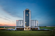 Pannonia Tower Hotel - Aussenansicht © Robert Tober
