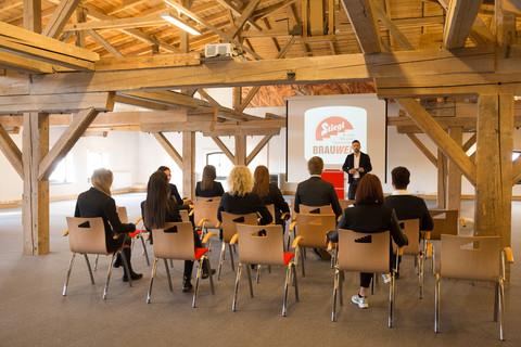 Stiegl Brauwelt - Seminarraum und Teilnehmer © Stiegl Brauwelt