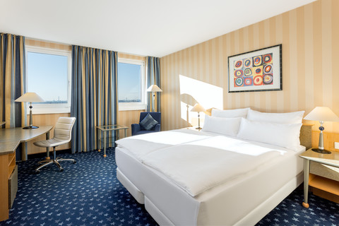 Hotel NH Danube City - Room © NH Danube City