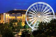 Kempinski Hotel Corvinus - Exterior with Ferris-wheel © Kempinski Hotel Corvinus Budapest