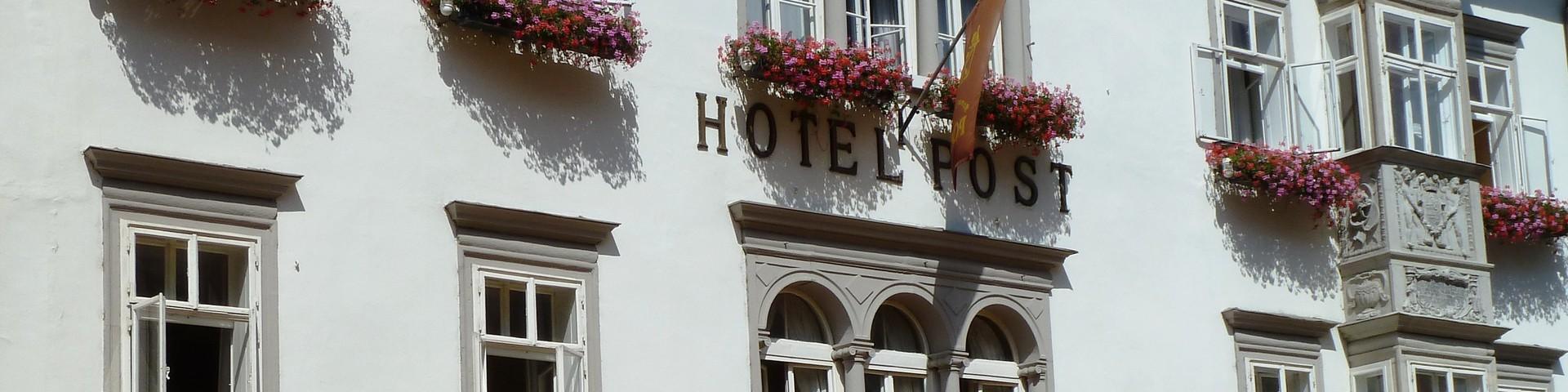 Romantik Hotel Post - Aussenansicht Café und Hotel © Romantik Hotel Post