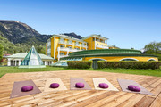 Das Alpenhaus Gasteinertal - Aussenansicht Sommer © Michael Huber