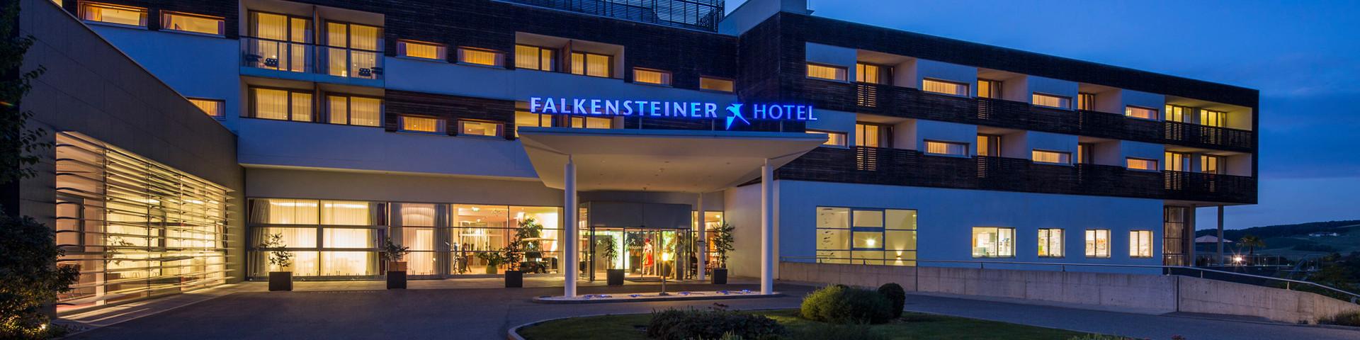 Falkensteiner Therme & Golf Hotel Bad Waltersdorf - Aussenansicht bei Nacht © Falkensteiner Hotels & Residences