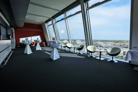 Pannonia Tower Hotel - Tower Lounge © Robert Tober